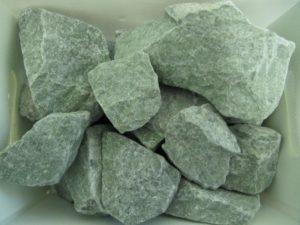 «Лучшие камни для бани: как выбрать из множества вариантов?» фото - kamny dlya bani 03 300x225