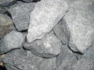 «Лучшие камни для бани: как выбрать из множества вариантов?» фото - kamny dlya bani 04 300x225