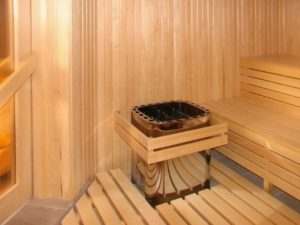 «Печь для бани с баком для воды: виды и особенности» фото - pech s bakom 4 300x225