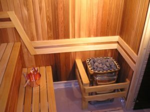 «Печь для бани с баком для воды: виды и особенности» фото - pech s bakom 7 300x225