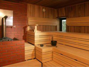 «Полки для бани: инструкция по монтажу своими руками» фото - polki v bane 4 300x225