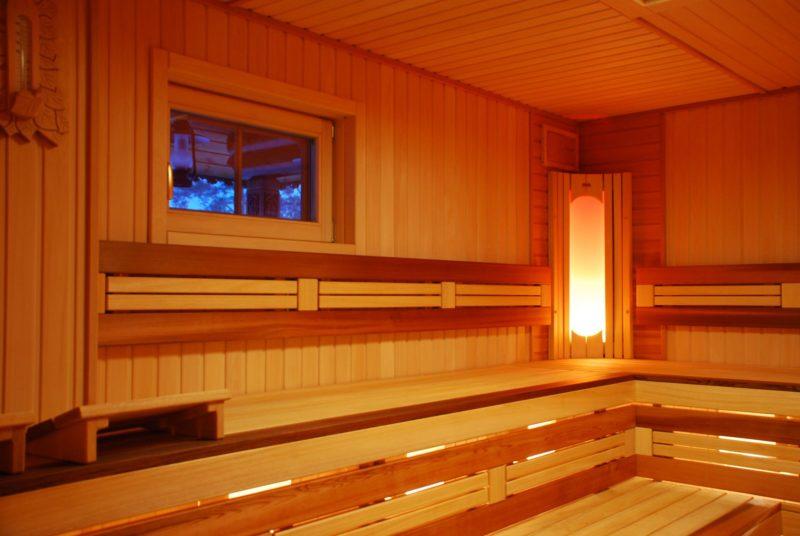«Внутренняя отделка бани своими руками: материалы и особенности» фото - vnutr otdelka 12 800x536