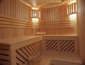 «Полок в баню своими руками: фото, чертежи и инструкции» фото - polok banya 3 300x230