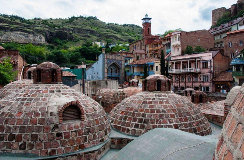 «Серные бани – достопримечательность Тбилиси» фото - sernye bani 1 1 800x524