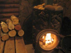 «Баня на дровах: особенности бани и выбор дров» фото - banya na drovah 2 300x225