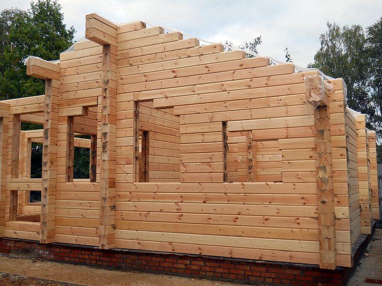 «Баня из клееного бруса: преимущества и особенности постройки; проекты бань из клееного бруса» фото - banya kleenyj brus 18