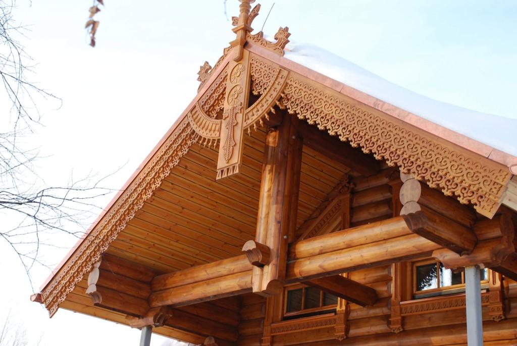 Как происходит строительство крыши бани