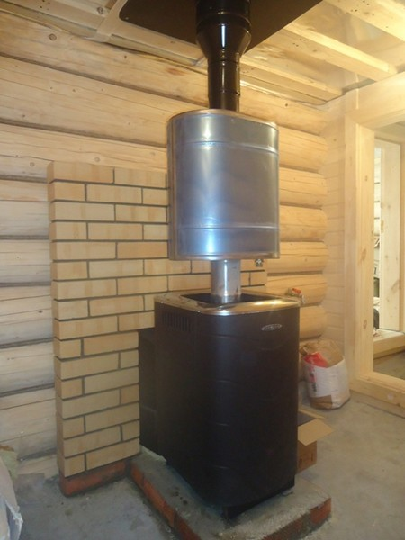 «Бак на дымоход для бани: преимущества и особенности» фото - bak na trubu 2