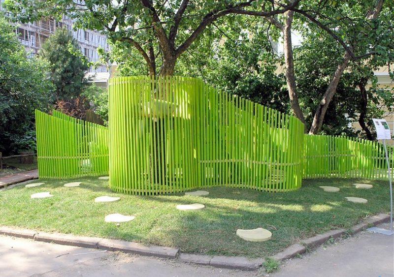 «Как сделать декоративный забор своими руками?» фото - 7 800x563