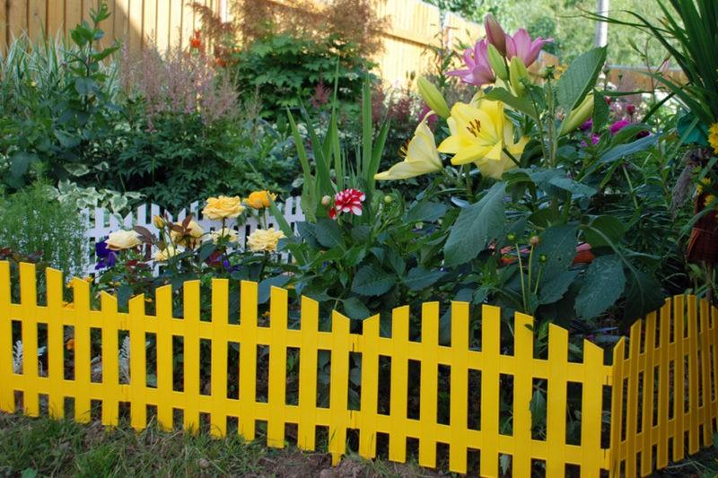 «Как сделать декоративный забор своими руками?» фото - zd2 800x533