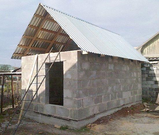 «Баня из шлакоблоков: преимущества, особенности. Этапы строительства бани из шлакоблоков своими руками» фото - banya shlakoblok 10