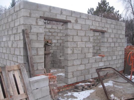 «Баня из шлакоблоков: преимущества, особенности. Этапы строительства бани из шлакоблоков своими руками» фото - banya shlakoblok 9