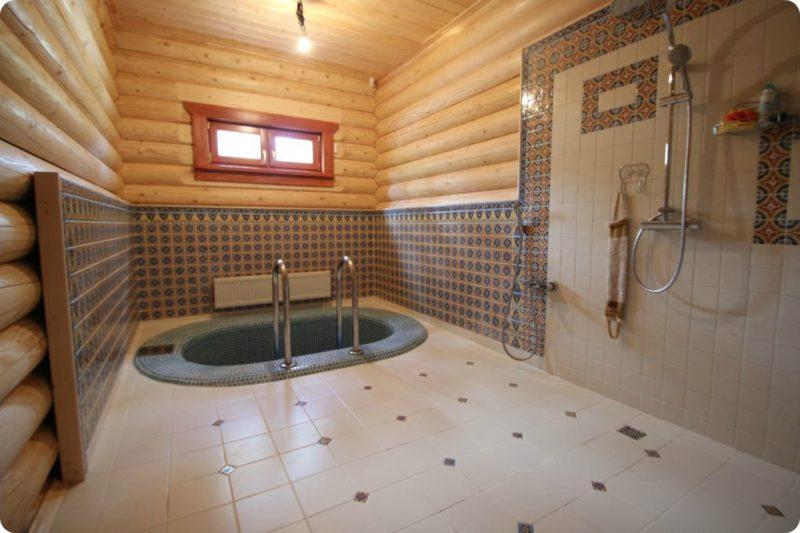 «Внутренняя отделка бани из бруса: идеи, советы и фото» фото - vnut otdelka brevno 11 800x533