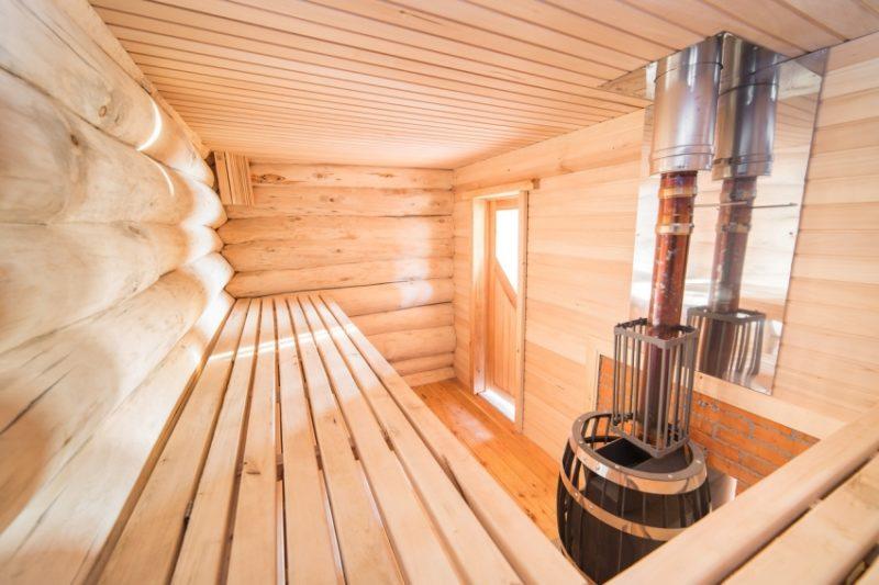 «Внутренняя отделка бани из бруса: идеи, советы и фото» фото - vnut otdelka brevno 4 800x533