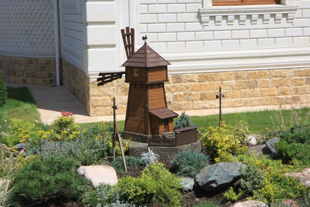 «Делаем декоративную мельницу в саду своими руками» фото - w 8258 1