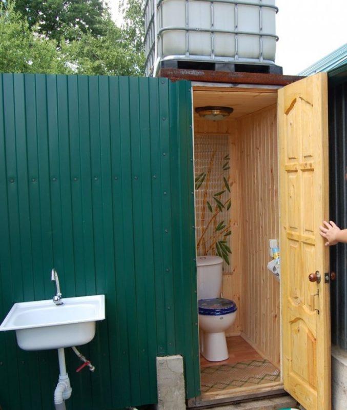 «Туалет для дачи Теремок - как сделать своими руками, где купить, идеи для туалета» фото - 1 3 677x800