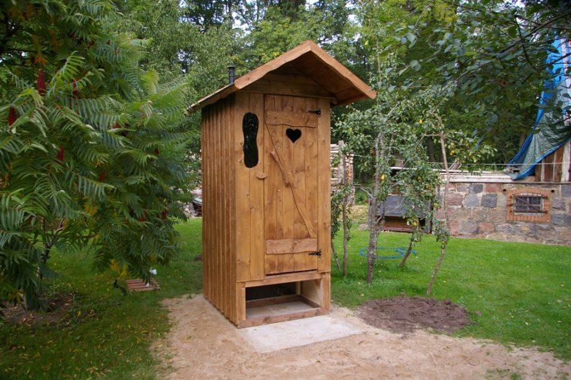 «Туалет для дачи Теремок - как сделать своими руками, где купить, идеи для туалета» фото - 10 3 800x532
