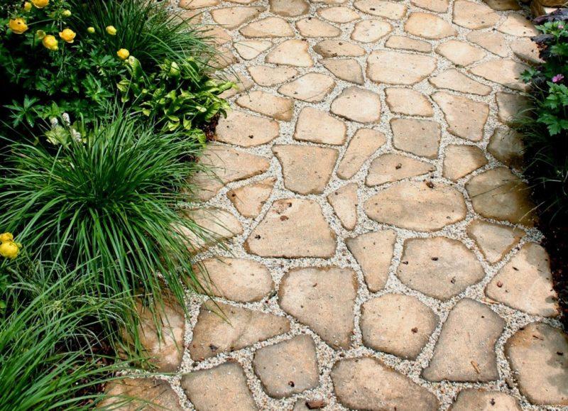 «Дорожки из плитняка на дачном участке» фото - 10 7 800x579