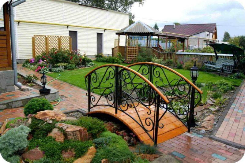 «Как сделать садовые мостики своими руками: инструкция и фото идеи» фото - 10 800x533