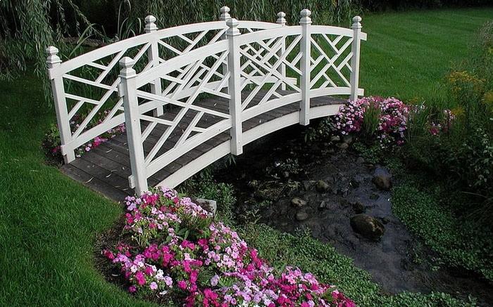 «Как сделать садовые мостики своими руками: инструкция и фото идеи» фото - 13