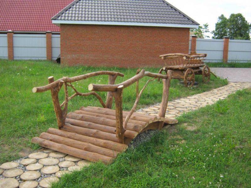 «Как сделать садовые мостики своими руками: инструкция и фото идеи» фото - 19 800x600