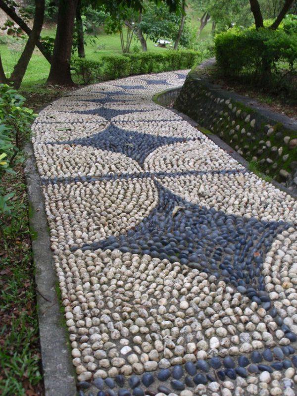 «Дорожки из гальки на дачном участке» фото - 3 5 600x800