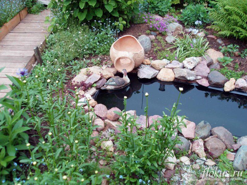 «Как сделать пруд на даче из старой ванны своими руками» фото - 4 10 800x600