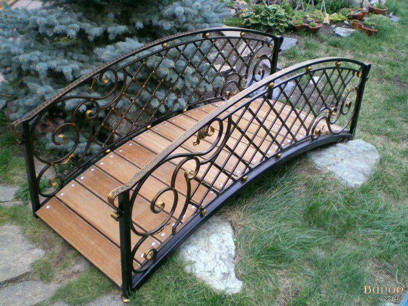 «Как сделать садовые мостики своими руками: инструкция и фото идеи» фото - 7 800x600