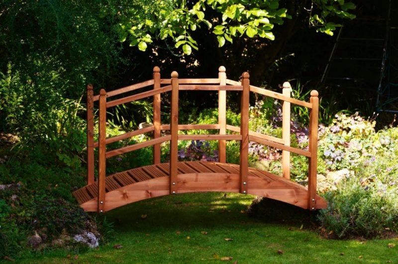 «Как сделать садовые мостики своими руками: инструкция и фото идеи» фото - best of backyard bridge likable backyard bridges price wood backyard bridges 800x531