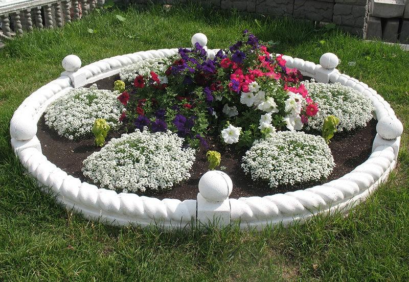 «Как сделать садовый бордюр своими руками: пошаговая инструкция» фото - f2712ba5522d6de395e779b0d47a2803 800x552