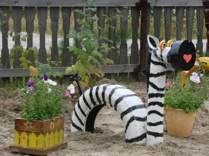 «Как сделать декор для сада своими руками - инструкция и фото идеи» фото - s1200 2 800x600