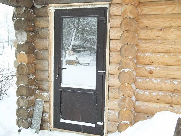 «Входная дверь в баню: виды и их особенности. Как выбрать входную дверь в баню?» фото - vhod banya 7