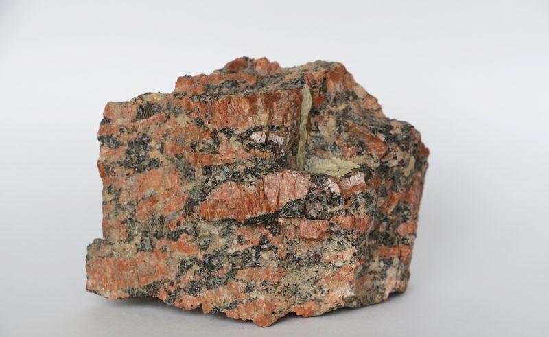 «Композиция из камней в аквариуме» фото - granit3 800x491