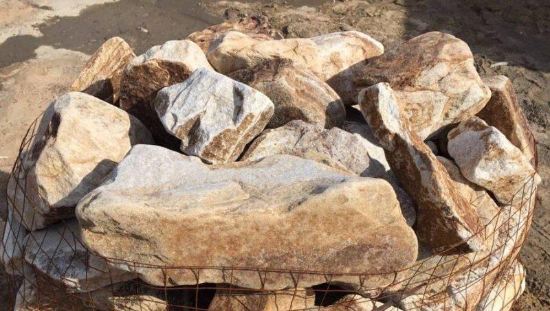 «Композиция из камней в аквариуме» фото - orig 800x453