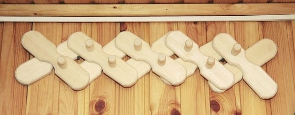 «Вешалка в баню своими руками: фото, идеи, советы. Как сделать вешалку для бани своими руками?» фото - veshalka 16