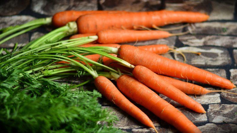 «Как необходимо хранить морковь зимой?» фото - Carrots vegetables 2560x1440 800x450