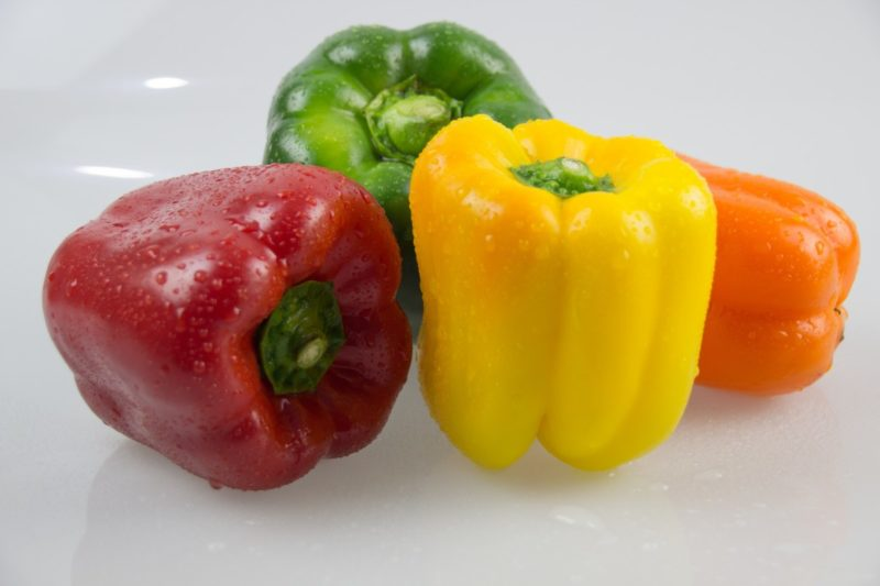 «Болгарский перец - описание и выращивание» фото - peppers vegetables vegetable garden food restaurant kitchen red pepper yellow pepper 885777.jpgd  800x533