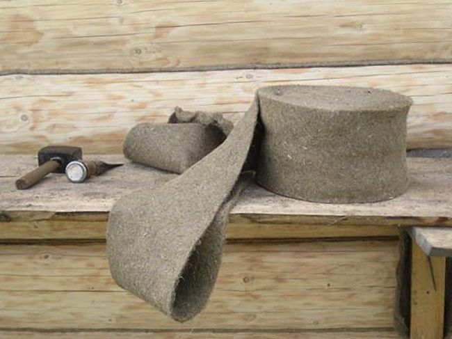 «Конопатка сруба: особенности, выбор материала. Как правильно конопатить сруб?» фото - konopatka sruba 6