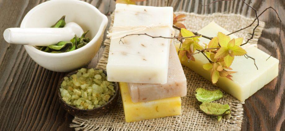 «Мыло для бани: виды, особенности. Мыло для бани своими руками: рецепты, фото, идеи» фото - mylo dlja bani 1 920x425