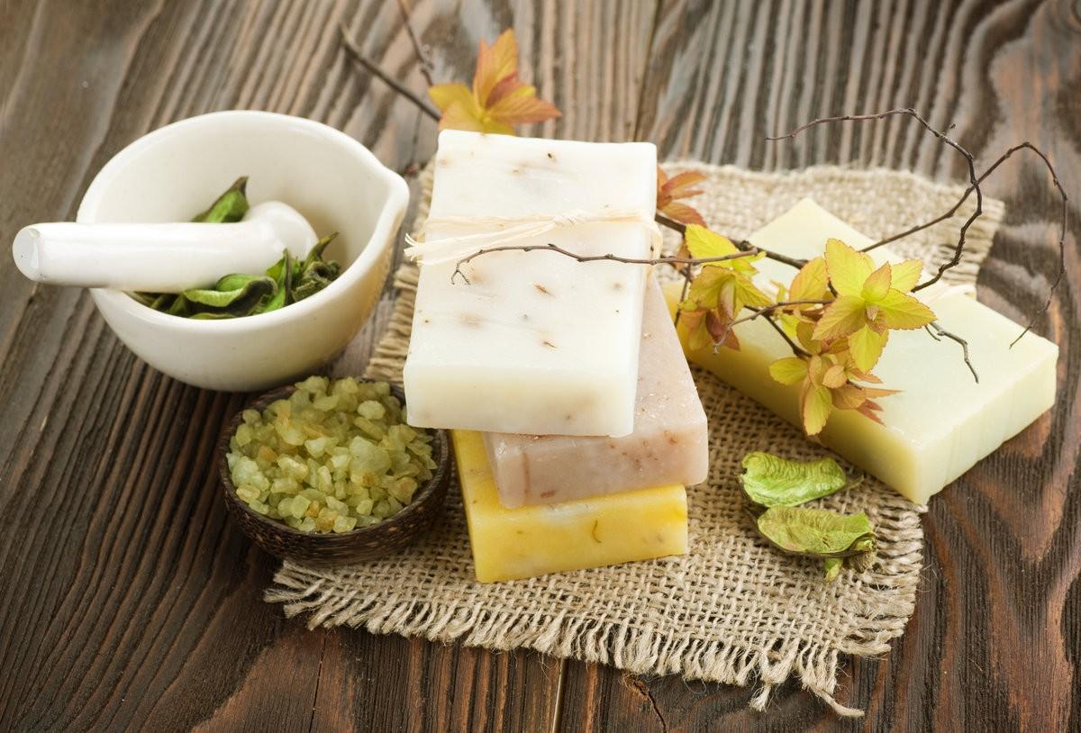 «Мыло для бани: виды, особенности. Мыло для бани своими руками: рецепты, фото, идеи» фото - mylo dlja bani 1