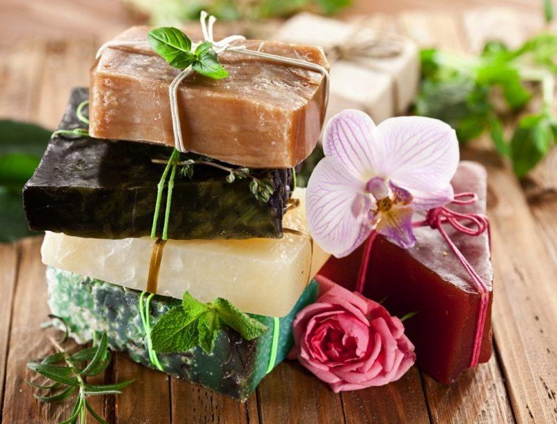 «Мыло для бани: виды, особенности. Мыло для бани своими руками: рецепты, фото, идеи» фото - mylo dlja bani 3 800x609
