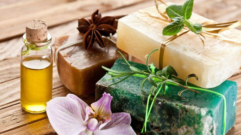 «Мыло для бани: виды, особенности. Мыло для бани своими руками: рецепты, фото, идеи» фото - mylo dlja bani 4 800x448