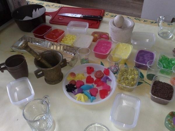 «Мыло для бани: виды, особенности. Мыло для бани своими руками: рецепты, фото, идеи» фото - mylo dlja bani 7