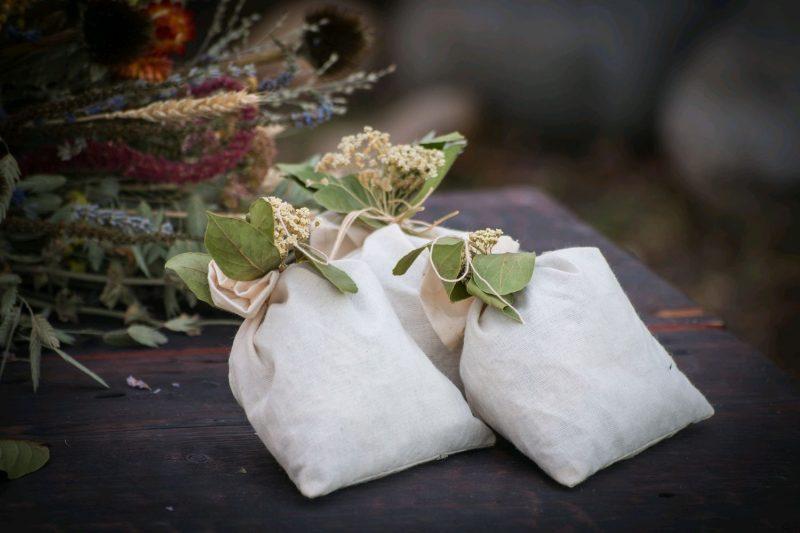 «Чем полезны травы для бани? Как сделать отвар для бани своими руками? Рецепты и рекомендации» фото - travy bani 3 800x533