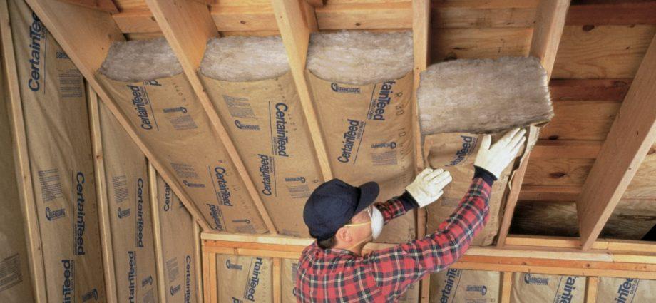 «Как правильно утеплить крышу бани?» фото - uteplenie derevyannogo doma vnutri chem i kak eto luchshe sdelat 10 920x425