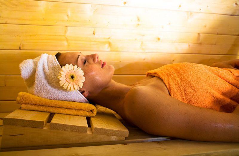 «Баня при артрозе и других болезнях суставов» фото - wellness sauna 800x522