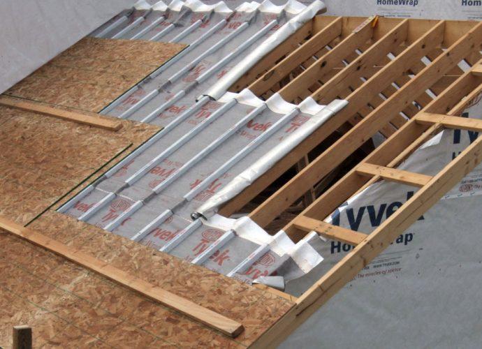 «Для чего нужна и как сделать хорошую пароизоляцию для крыши» фото - 03 690x500