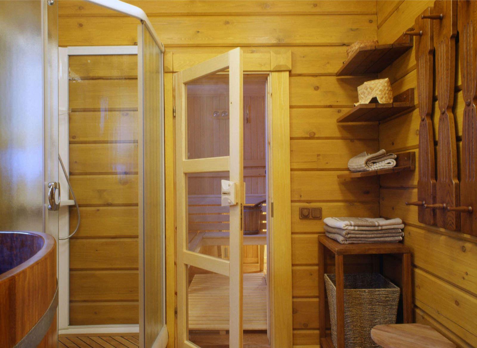 «Как сделать перегородку в бане?» фото - peregorodka kleenyj brus