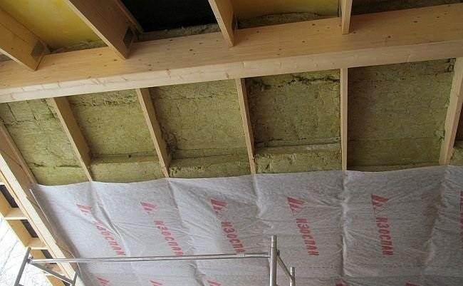 «Какой стороной класть пароизоляцию на потолок» фото - ca1ada24ef43f0923490d2c7e0bcbcf1